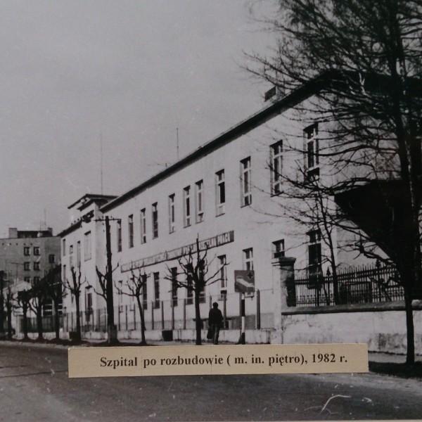 Szpital-w-Brzezinach-rok-1982-600x600